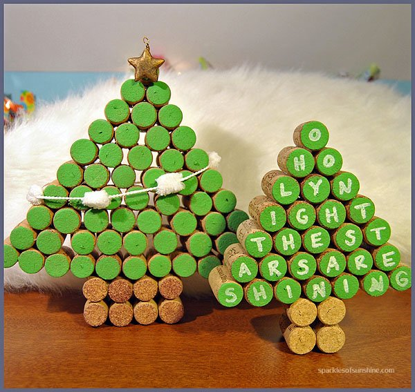 wine cork christmas trees sparkles of sunshine. Black Bedroom Furniture Sets. Home Design Ideas