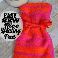 This easy sew rice heating pad would be a perfect handmade gift! All you need is a sewing machine, washcloth and rice.