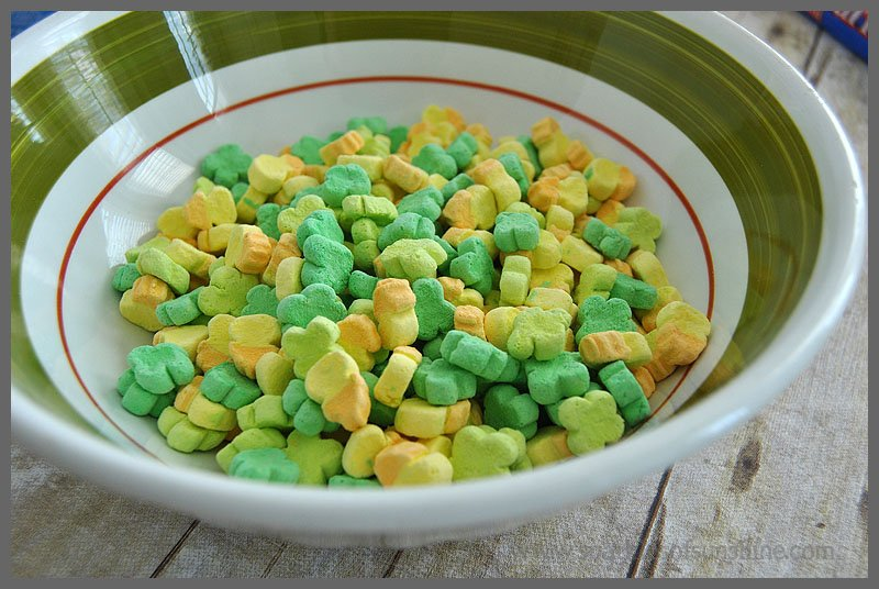 Sparkles of Sunshine Lucky Charms Snack Mix