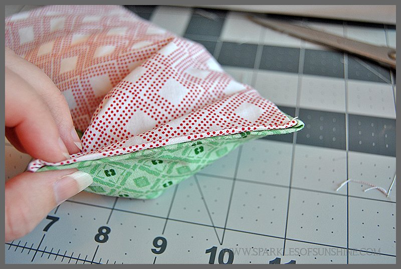 Homemade Relaxation Eye Pillows With Lavender - Sparkles of Sunshine