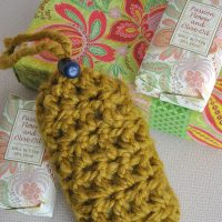 Make this great gift idea, a crochet soap saver pouch. Find the free crochet pattern at Sparkles of Sunshine today.