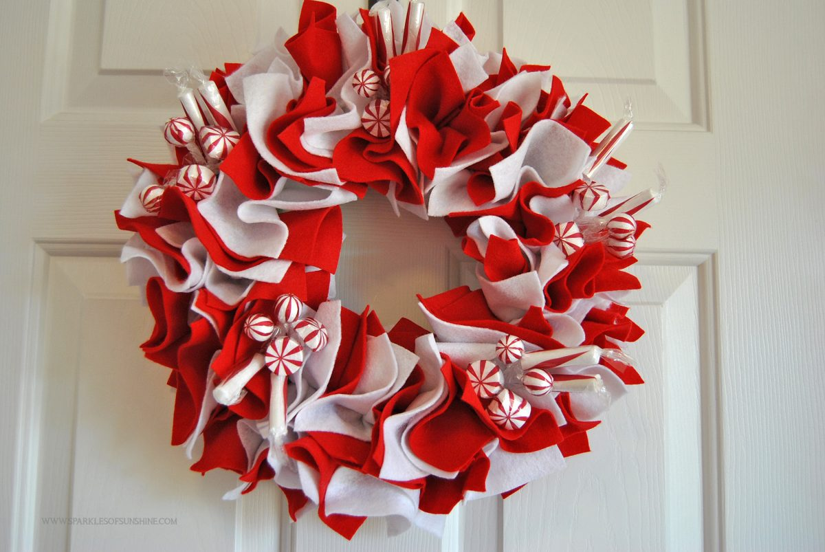 easy felt holiday peppermint wreath