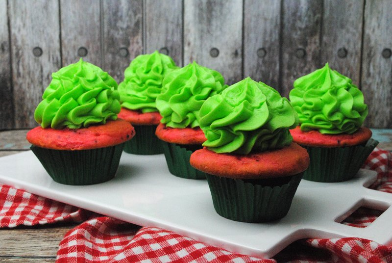 how to make frosting lime green