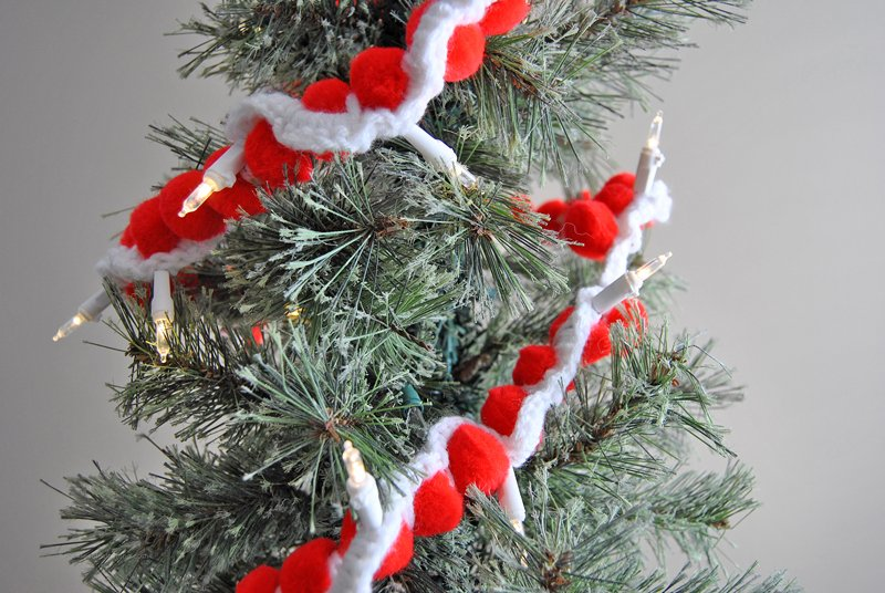 Merry And Bright Easy Crochet Pom Pom Lighted Garland Sparkles Of