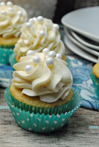 Treat yourself with this tasty recipe for Vanilla Cream Cheese Cupcakes, guaranteed to satisfy your sweet tooth.