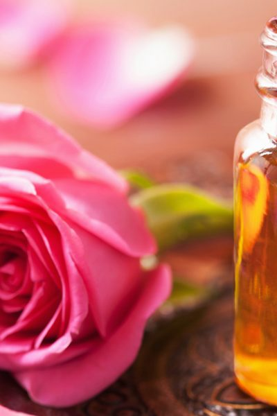 10 Love Inspired Essential Oils Perfect for Valentine's Day