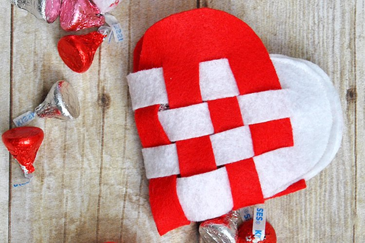 How to Make a Felt Danish Heart for Valentine's Day
