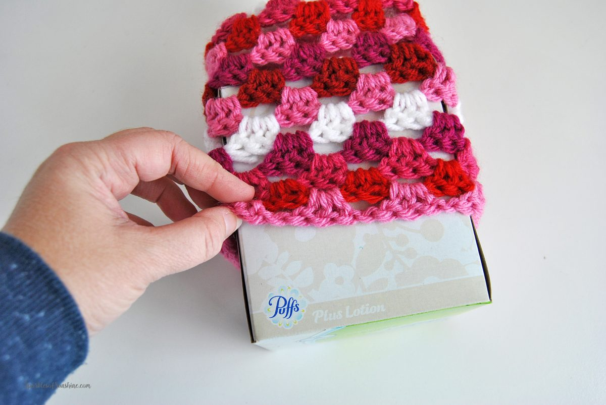 Granny Square Tissue Box Cover Free Crochet Pattern - Sparkles of ...