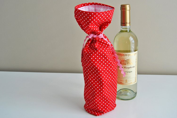 How to Make an Easy Sew Wine Gift Bag
